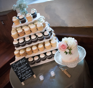 Cakes And Cupcakes York Pa Wedding Cake And Cupcake Displays Wedding Cake And Cupcake Stands Lancaster Pa Red Lion Pa Dallastown Pa Dover Pa Weigelstown Pa Hanover Pa Shrewsbury Pa New